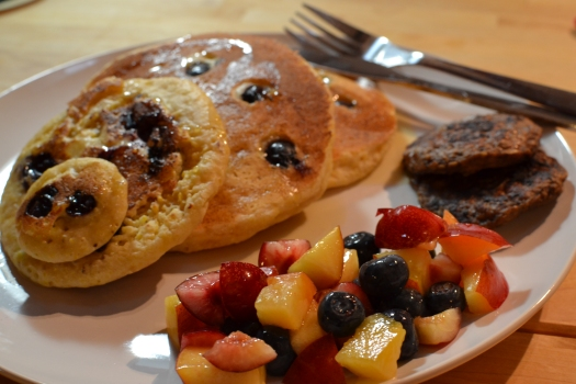 (Lighter) Blueberry Pancake Breakfast